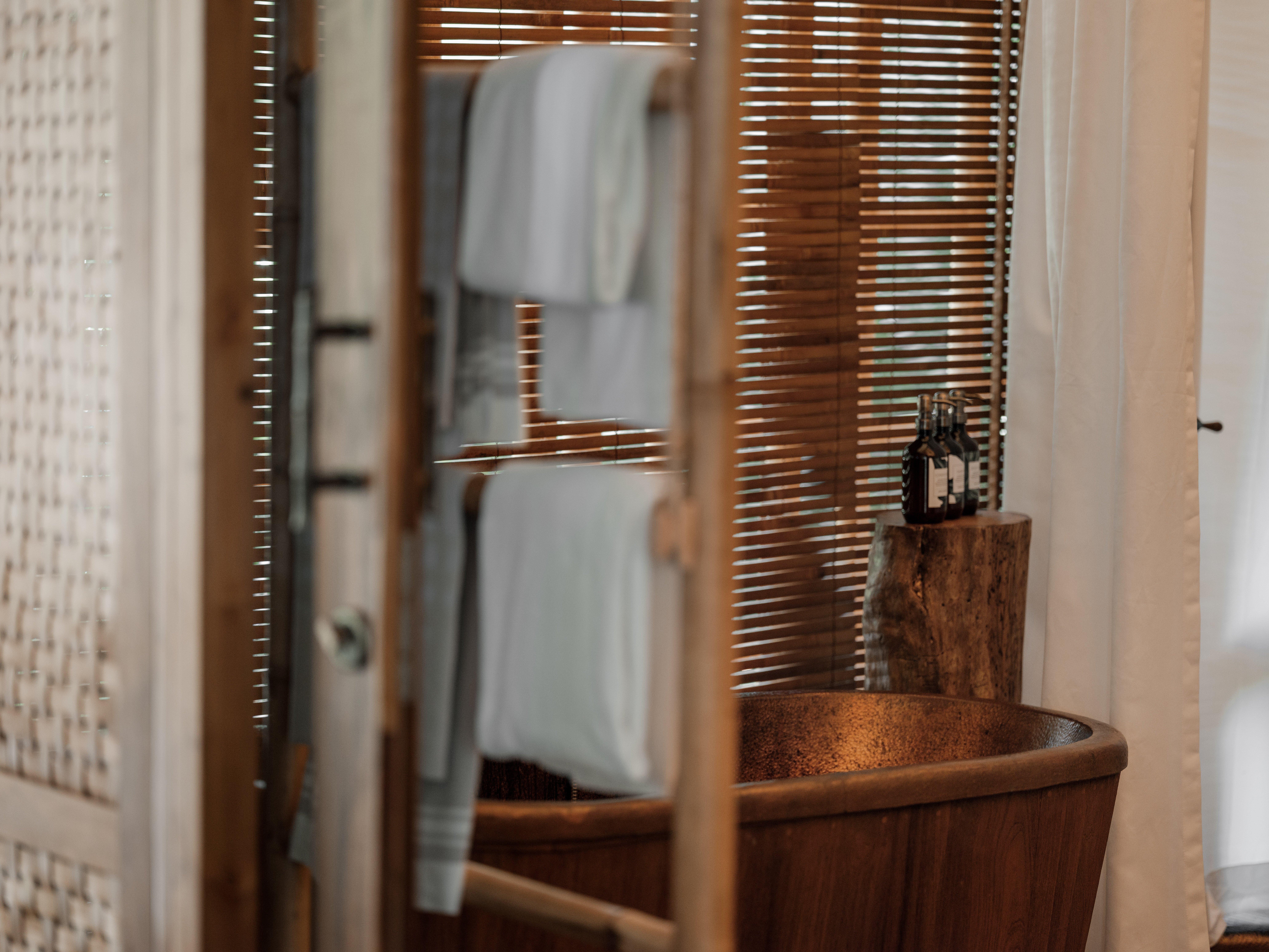 Bawah-reserve-medium-res-3875 Beach Suite Bathroom