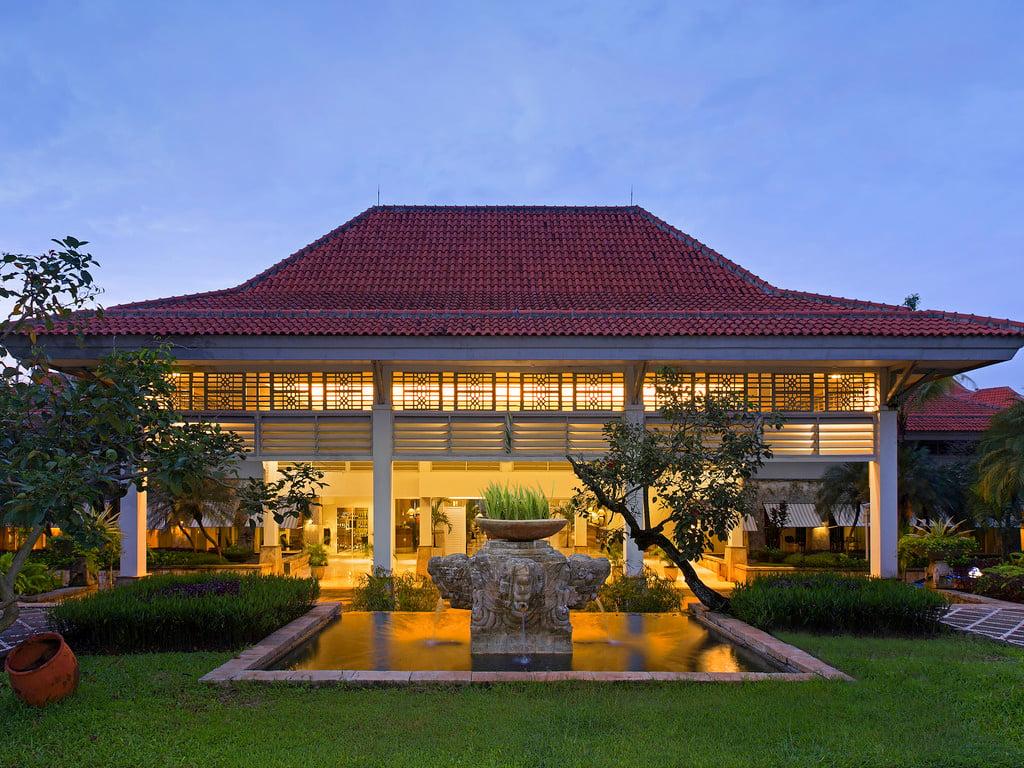 Bandara Hotel