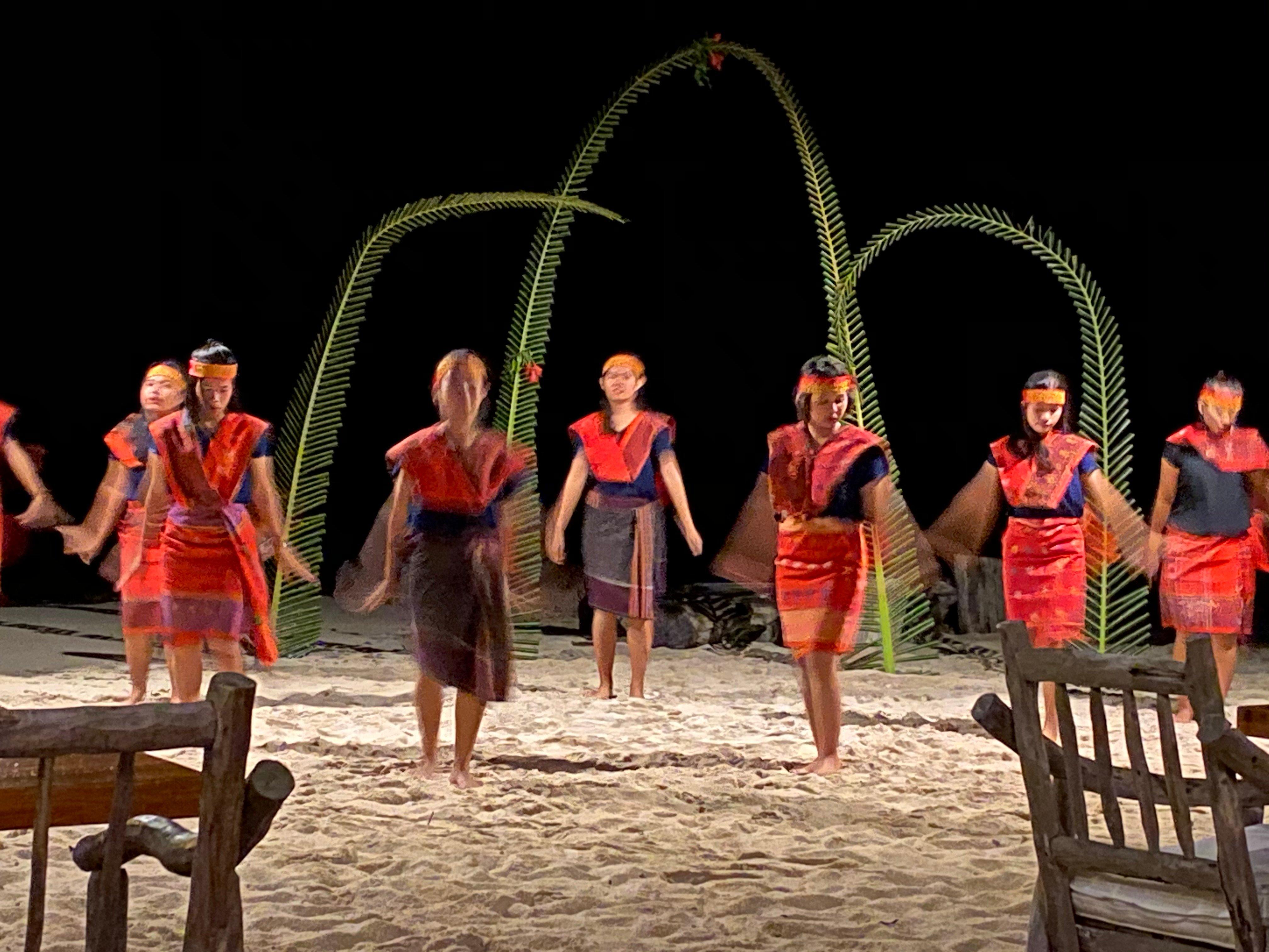 Indonesian Dance 5
