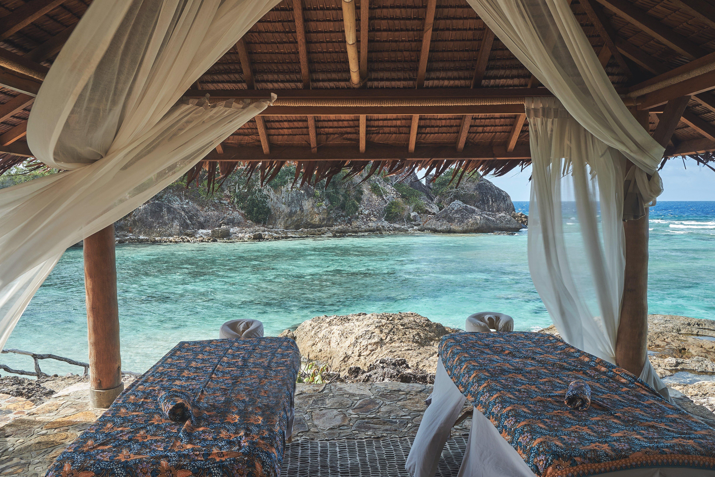 batu_tokong_spa_explorer_massage_beds_with_ocean_view