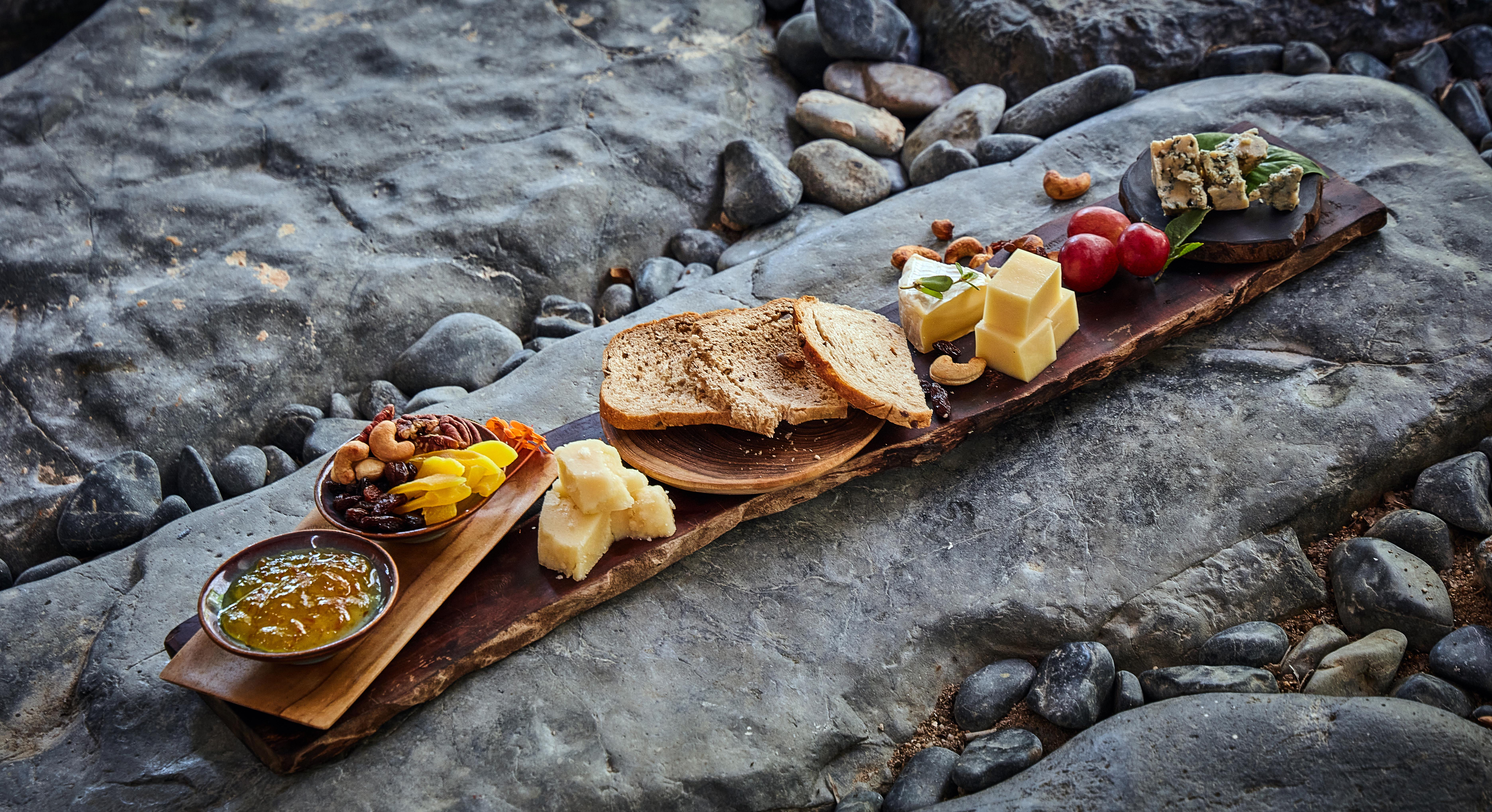wood_cheese_board_at_treetops
