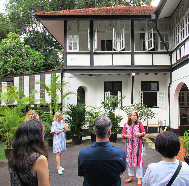 Jane's-Singapore-Tours-black-and-white-house-tours-1
