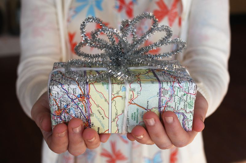 Map-DIY-Wrapping-Paper