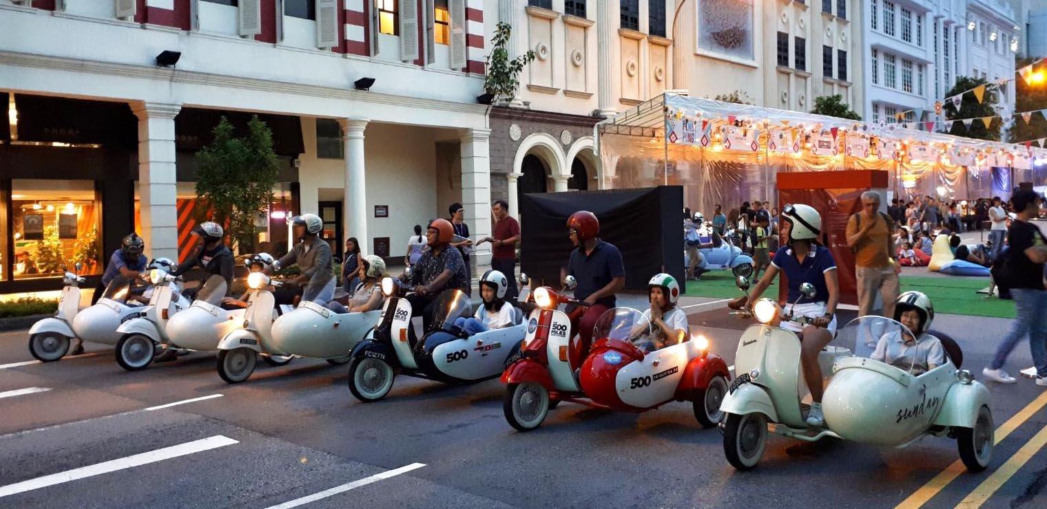 Sidecar Vespa Tour