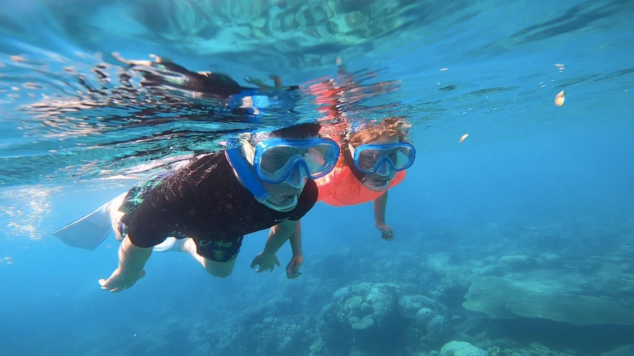snorkelling kids